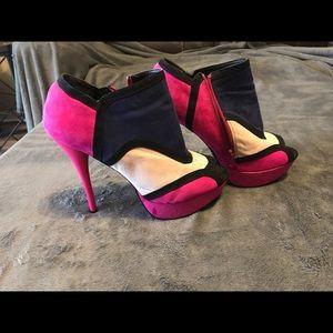 Tri colored heels